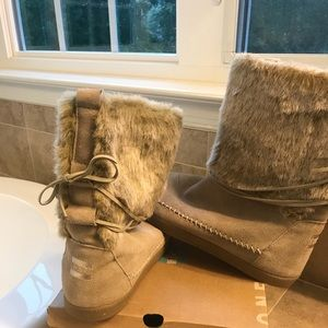 Toms ugg-style boots